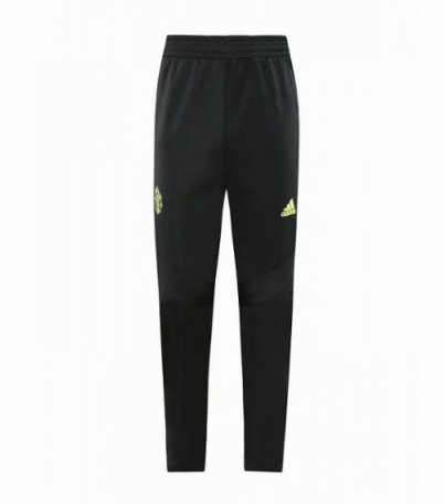 Manchester United 19/20 Training Pants Black